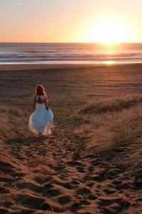 Alma J dress, walk at Piha beach, Auckland, NZ.