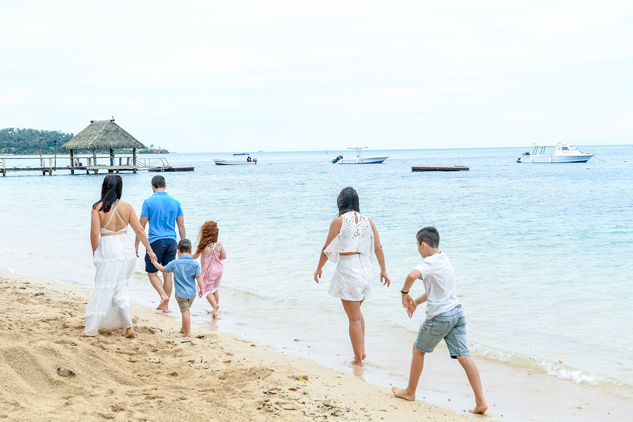 Family on the beach at Malolo Island Resort Fiji family photography