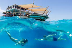 Fiji underwater couple photography cloud 9