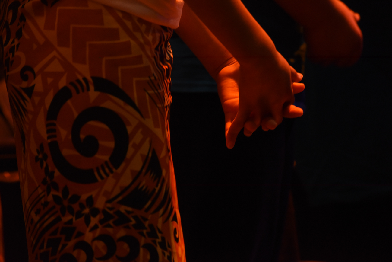Close-up of the hands of a dancer : detail shot